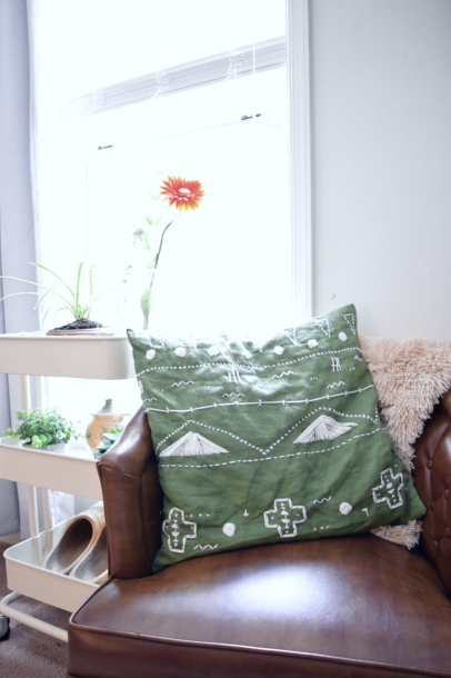 green pillow 3